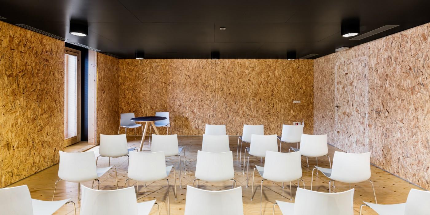 Interior aula i sala reunions
