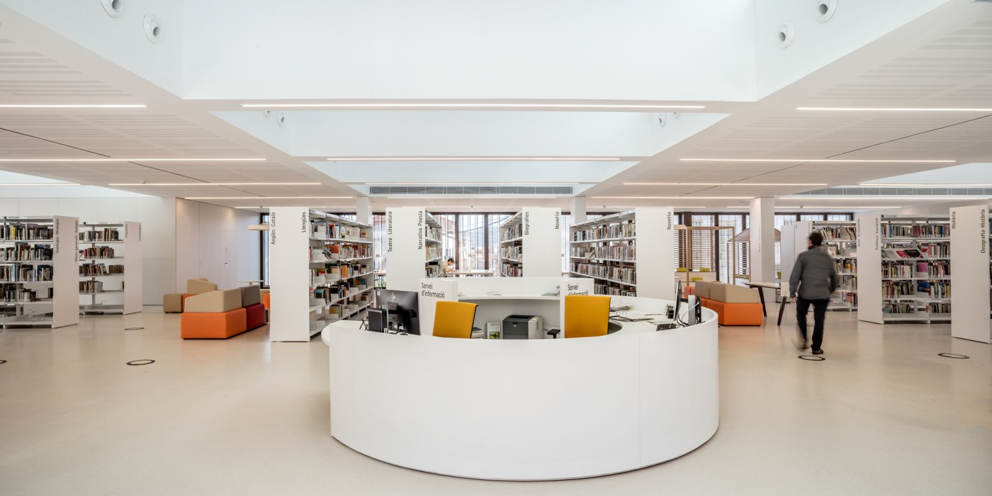 taulell central biblioteca