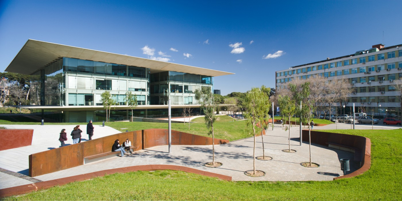 Accés edifici B0, Campus Nord UPC